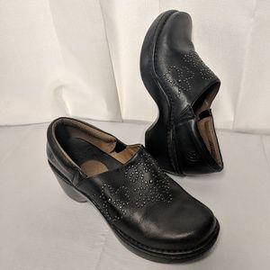 Ladies Ariat Leather Mules Clogs size 10B Black